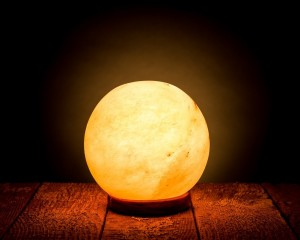 HemingWeigh Rock Salt Sphere Lamp
